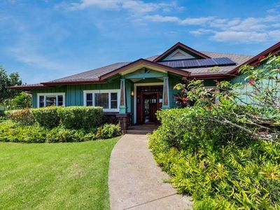 Photo for Luxurious Hawaiian home on the Fairway w/ Hot Tub