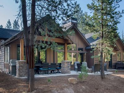 Photo for 56415 Trailmere Circle: 4 BR / 5 BA home in Bend, Sleeps 10