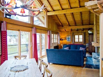 Photo for Chalet Chamonix-Mont-Blanc, 6 bedrooms, 12 persons
