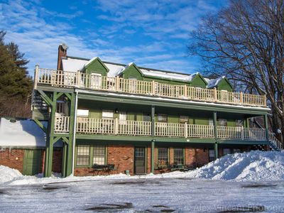 Photo for GREAT FOR GROUPS! Sleep 20! SKI STRATTON/BROMLEY, HUGE ROOMS, ALL PRIVATE BATHS