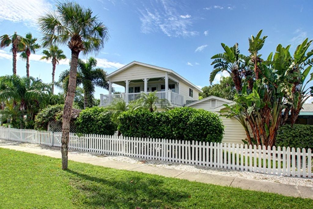 Pleasing Sea Breeze Beautiful Clearwater Beach Home Heated Pool Spa Grill Clearwater Beach Beutiful Home Inspiration Ommitmahrainfo