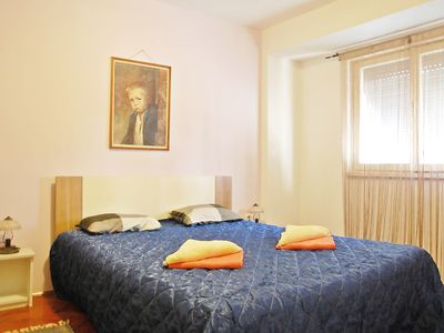 Photo for City holiday apartment, 400 m from the Roman Amphitheatre