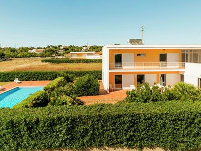 Photo for Beautiful contemporary 3 bedroom Villa with pool close to Salgados GC Albufeira