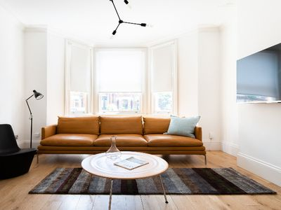 Photo for The North Kensington Retreat - Bright 4BDR House with Parking & Garden