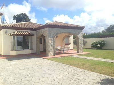 Photo for Fully Airconditioned Beautiful villa with pool / Wi Fi - Close to Beach and Shop