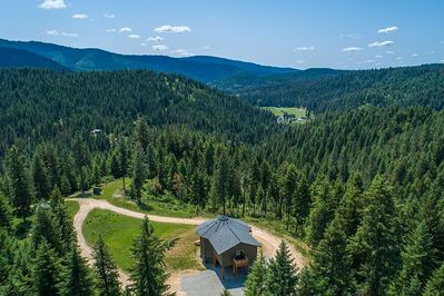 Experience the beauty of Coeur d'Alene at this vacation rental home!