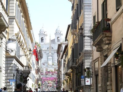 Photo for Fiori Rossi 1, very nice and confortable, wonderful location, few metres from the Spanish Steps
