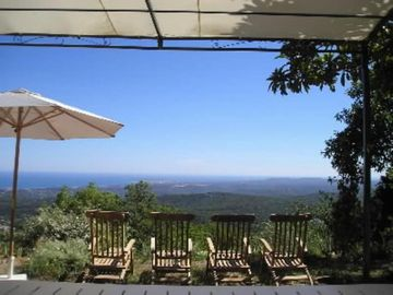 Hilltop home with a impressive panoramic  seaview. Heights of VENCE  provencal village.Very peaceful and confortable 5***** - MAS D'AZUR: MAS GARRIGUE