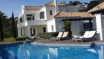 Photo for Exclusive high standard Villa with guesthouse, and indoor swimmingpool