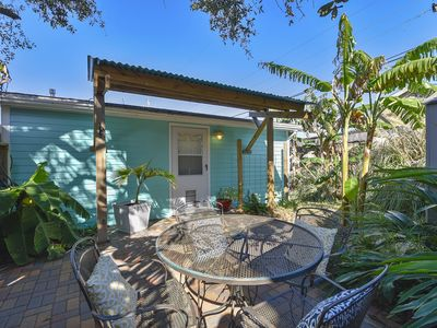 Photo for Barefeet Retreat Gorgeous studio! 6 minutes to the beach! 9 minutes to Moody Gardens! Ask about the $115 dollars in FREEBIES