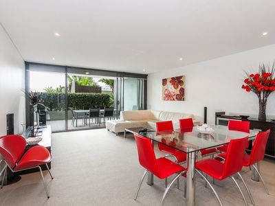 Photo for LORNE CHALET APARTMENT 25 - Bright and vibrant