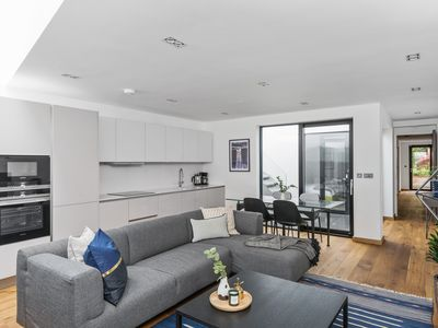Photo for Sunny 2BR in King's Cross by Sonder