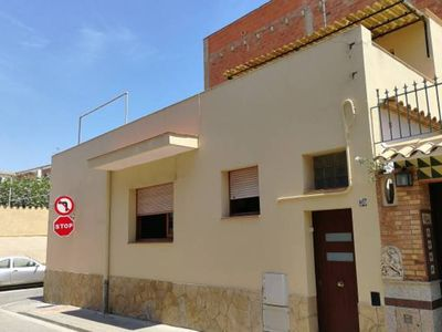 Photo for Centric ground floor house in Palamós, 5 minutes away from the beach! Great terrace
