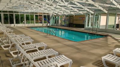 Photo for Mountain View 3BR/2BA condo on Parkway. Hot tub, indoor pool, playground.