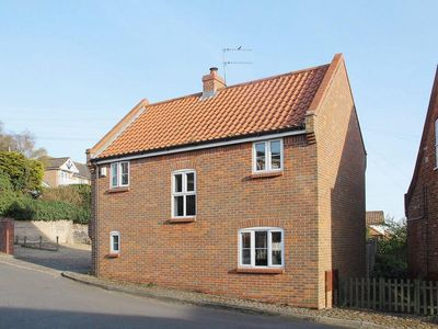 Photo for 3 bedroom property in Horning. Pet friendly.