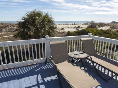 Ocean Front With Room For the Family! Outdoor Shower! 4 BR 3.5 BA Sleeps 10