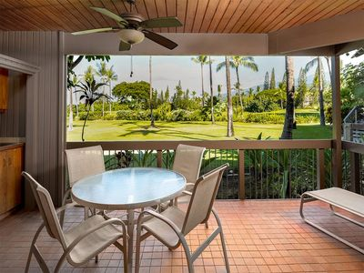 Photo for Style+Space! AC, Kitchen, WiFi, Lanai, Flat Screens, DVD+Laundry–Kanaloa at Kona 1102