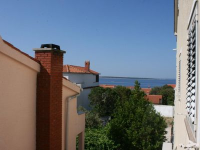 Photo for One bedroom apartment with terrace and sea view Mandre, Pag (A-205-b)