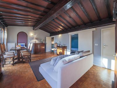 Photo for Riva Sinistra central Florence 2 bedrooms with terrace