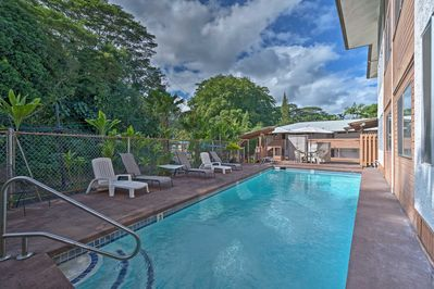 This Wainaku Terrace vacation rental lies just steps from the community pool.