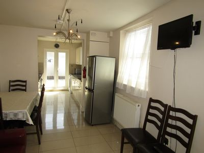 Photo for 6 Bed Rooms Property in Leyton