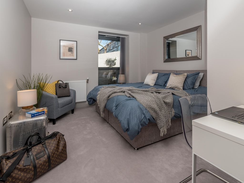 A Brand New 747 Square Foot 2 Bedroom Luxury Apartment In London Great Location Elthorne