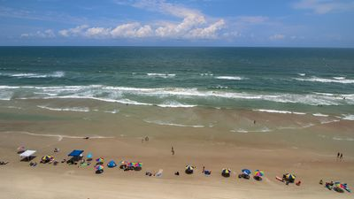 Photo for DIRECT OCEANFRONT - Beachy & Clean Unit! No Smoking & Free WIFI