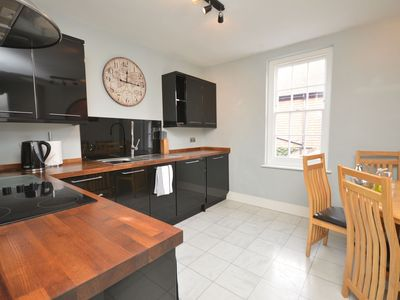 Photo for 2 bedroom Apartment in Lymington - 42206