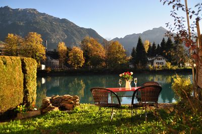 Private garden with BBQ and seating for 4 directly located on the River Aare.