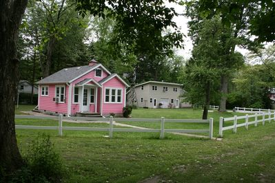 The Pink House and Little House with upstairs apartment are all great getaways.