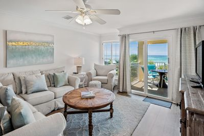 Living room with a gulf front view
