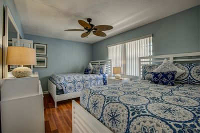 Guest bedroom with 2 Queen beds and Comfort top mattresses