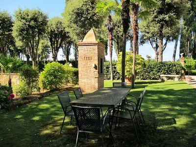 Photo for Lovely apartment in villa for 5 people with WIFI, pool, TV, pets allowed and parking