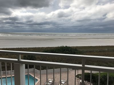 Photo for Beautiful Marco Island Oceanfront Condo at Tradewinds