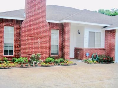 Photo for Fully furnished 4bd/2bath/2car House