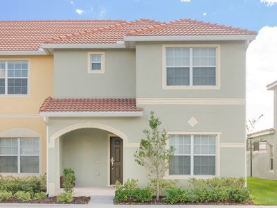 Photo for STUNNING NEW DESIGNER 5 BEDROOM TOWNHOUSE WITH SPLASH POOL!!