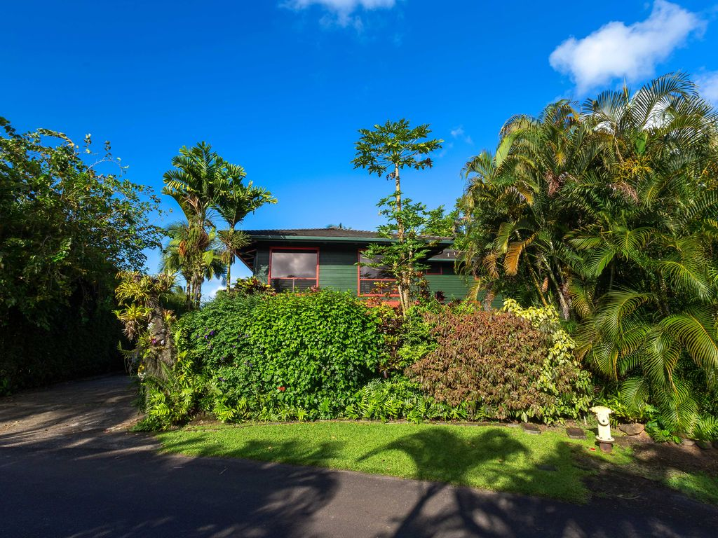 Charming Hanalei Bungalow close to the beach TVNC 4339