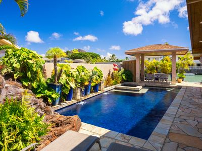 *$599 Special!* Executive Waterfront home- lava waterfall, saltwater pool & spa!