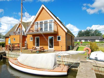 Photo for Reedmere - Three Bedroom House, Sleeps 6