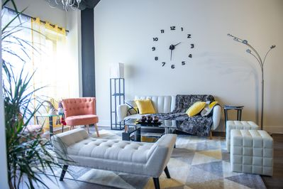 McCormick Place/Superfast wifi/Chicago downtown/Dry cleaning/3 BR+2  Bath/LOVE! - Near South Side