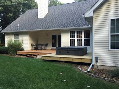 Enjoy the fire pit, hot tub and game room very near Saugatuck/Douglas.