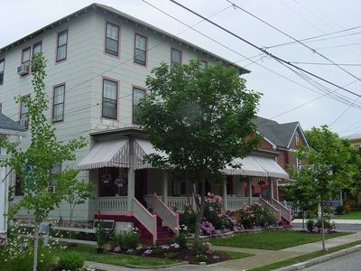 Historical accommodations  Great Location located on quiet residential Stree