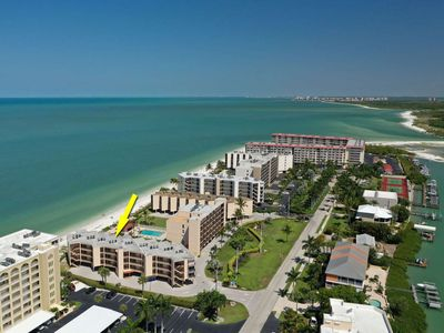 Photo for Spectacular View of the Gulf! Private Beach Front! Pool! Free Undercover Parking, WiFi, Beach Gear!