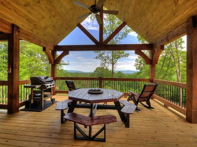 Photo for Find your home-away-from-home in this gorgeous 3 bedroom cabin!