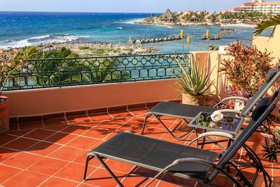 Relax on the terrace and enjoy the sun!