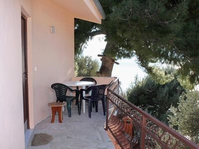 Photo for Studio flat with terrace and sea view Zavode, Omiš (AS-5252-a)