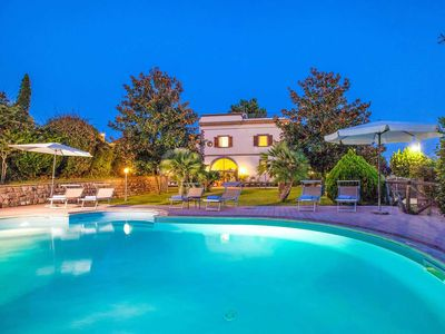 Photo for Traditional 5 bedroom villa, private pool, BBQ & pizza oven