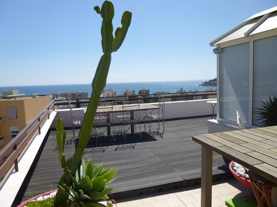 Photo for Air-conditioned apartment 250 m from the sea with terrace of 120 m2 sea view