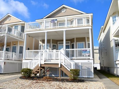 REASONABLY PRICED!  ONLY 4 blocks to the beach and Boardwalk. A super value in the heart of the city. Three sleeper sofas! 1 Queen, 1 Full and 1 Single. Also NEW flat screen smart TV in living room!