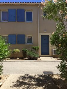 Photo for Pretty cottage in res holiday in Mouriès, heated pool, Alpilles, for 8 pers